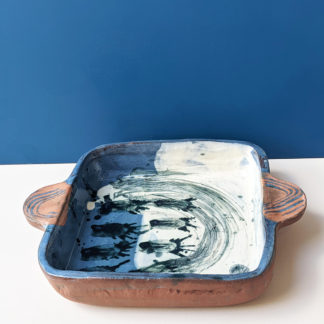 Meg-Beamish-Ceramic-Oven-Dish-Blue,-White-and-Navy-Arch